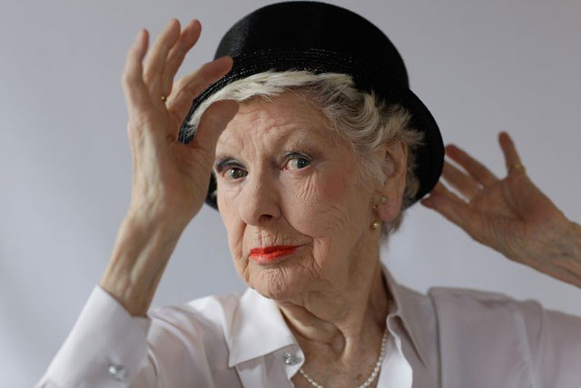 Proposing a toast to the late, great Elaine Stritch (Week 3, Day 21)